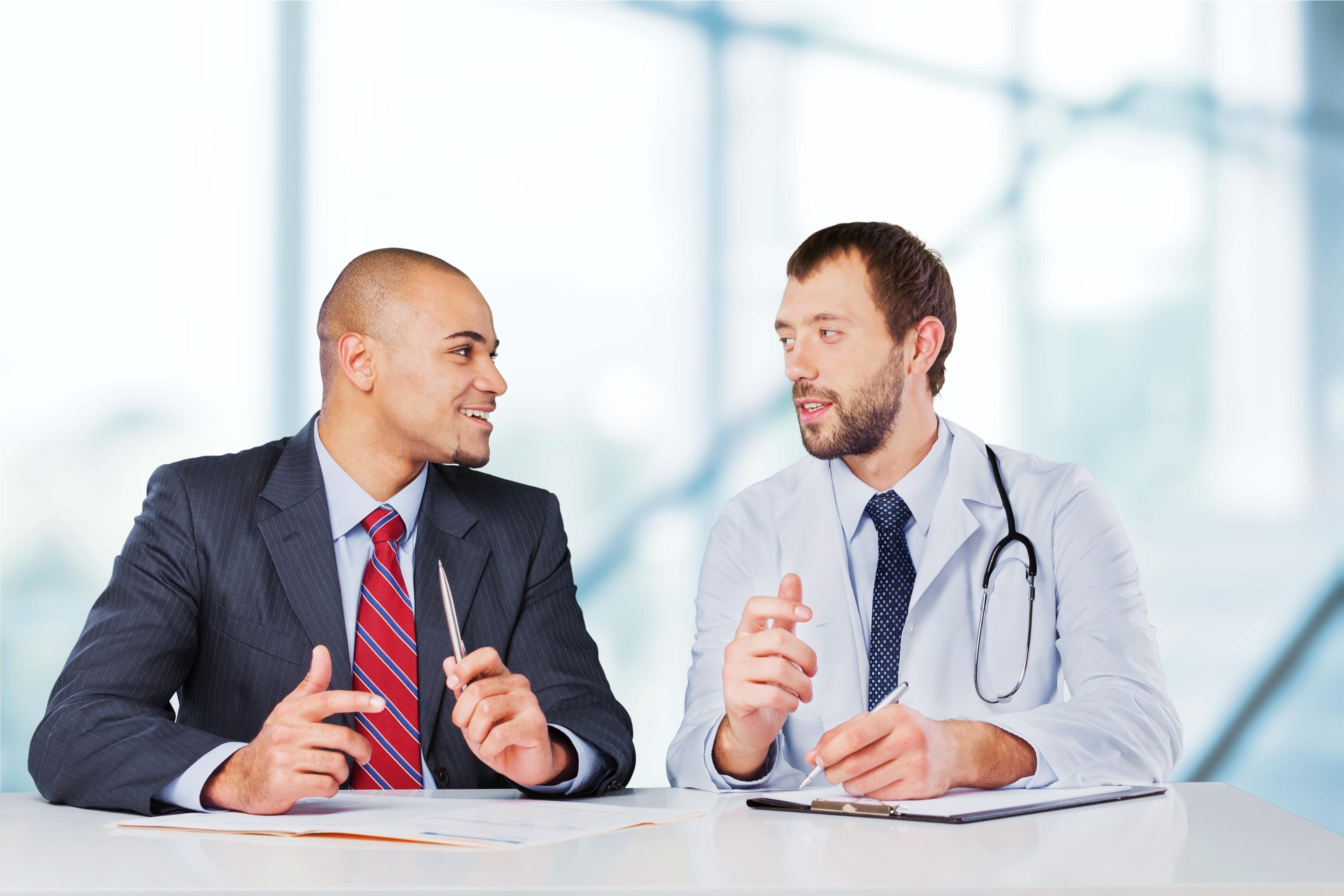 Jót tesz-e a kórháznak, ha orvos áll az élén?
